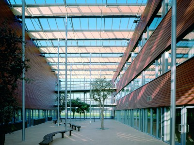 School atrium glasoverkapping op gelamineerde liggers 2