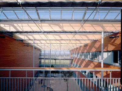 School atrium glasoverkapping op gelamineerde liggers 3