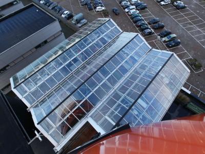 Daktheater glasoverkapping als restaurant met zonwering 3