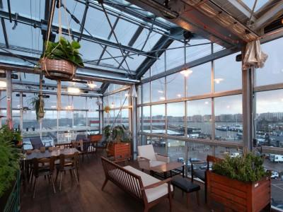 Daktheater glasoverkapping als restaurant met zonwering 4