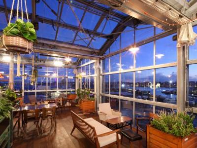 Daktheater glasoverkapping als restaurant met zonwering 7