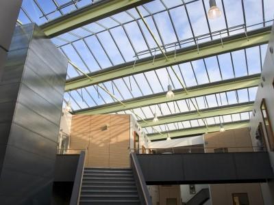 Lichte glasoverkapping atrium kassenbouwsysteem 1