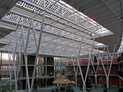 Glasoverkapping atrium met PV panelen BIPV 1