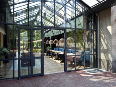 Restaurant glasoverkapping met zonwerende beglazing 2