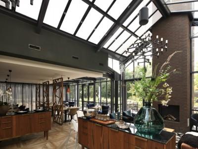 Restaurant glasoverkapping met zonwerende beglazing 5