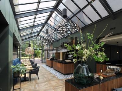 Restaurant glasoverkapping met zonwerende beglazing 6