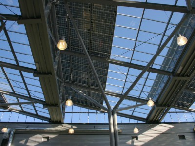 Glazen overkapping met geintegreede PV panelen 2