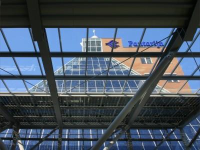 Glazen overkapping met geintegreede PV panelen 3