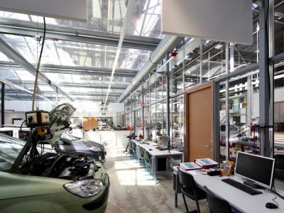 Kas als glasoverkapping praktijklokaal school 2