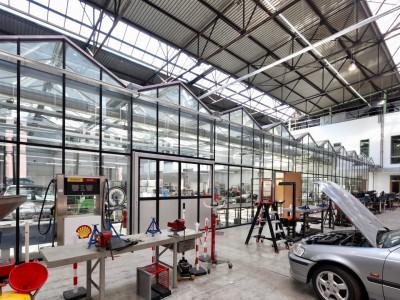 Kas als glasoverkapping praktijklokaal school 3