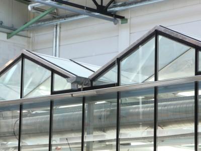 Kas als glasoverkapping praktijklokaal school 5