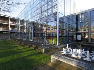 Glasoverkapping atrium school in kassenbouw systeem 2