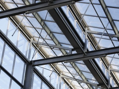Glasoverkapping atrium school in kassenbouw systeem 6