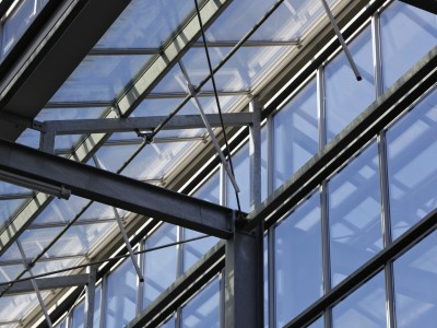 Glasoverkapping atrium school in kassenbouw systeem 7
