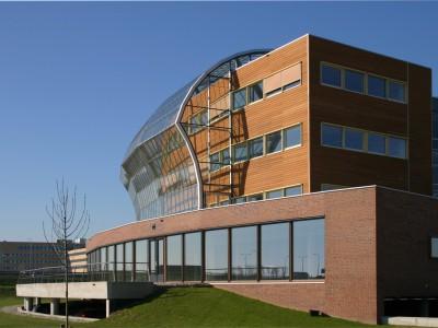 Energiezuinige klimaatgevel gesegmenteerde glasgevel 2
