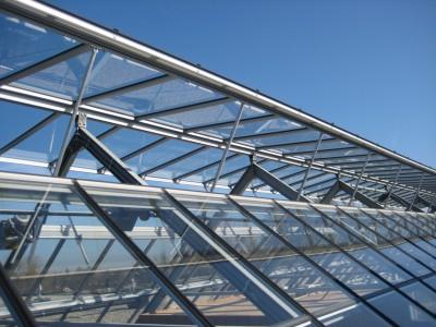 Kasconstructie als atriumoverkapping met doorgaande ventilatieramen2