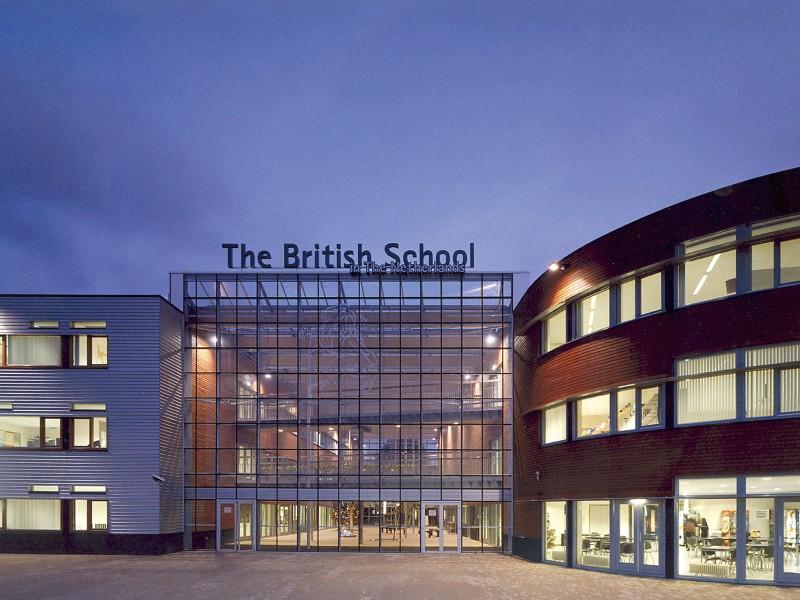 School atrium glasoverkapping op gelamineerde liggers 1