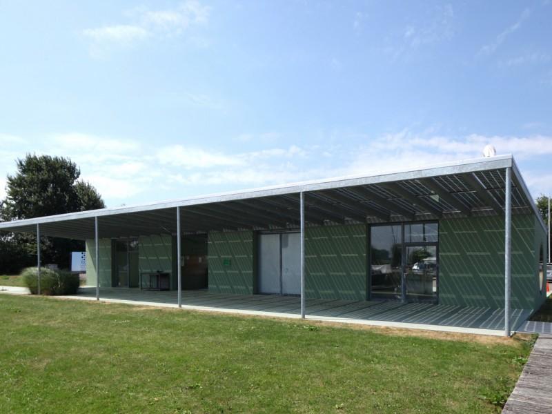 Glazen luifel constsructie met BIPV PV panelen 1