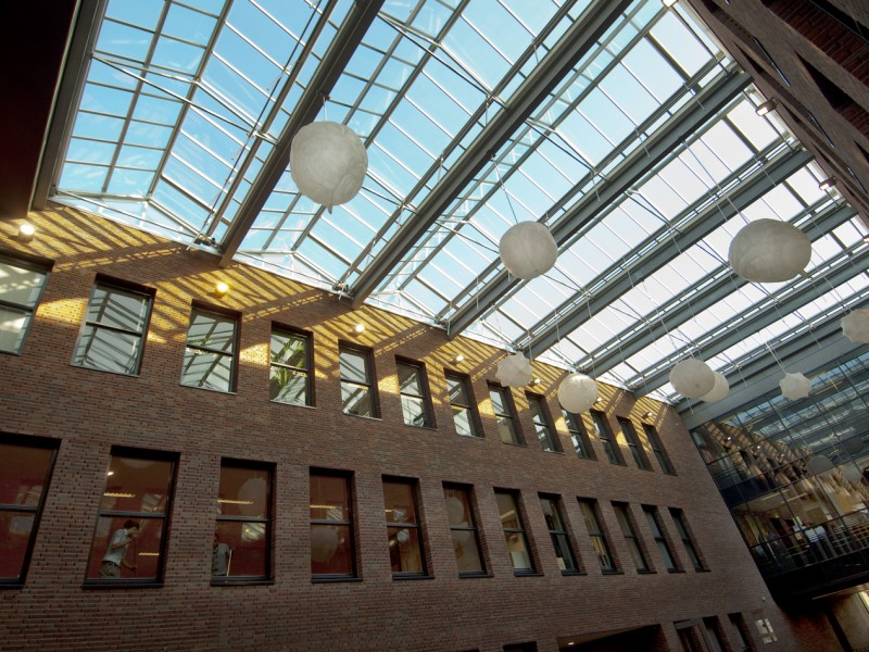 Glasoverkapping atrium school geisoleerd glas 1